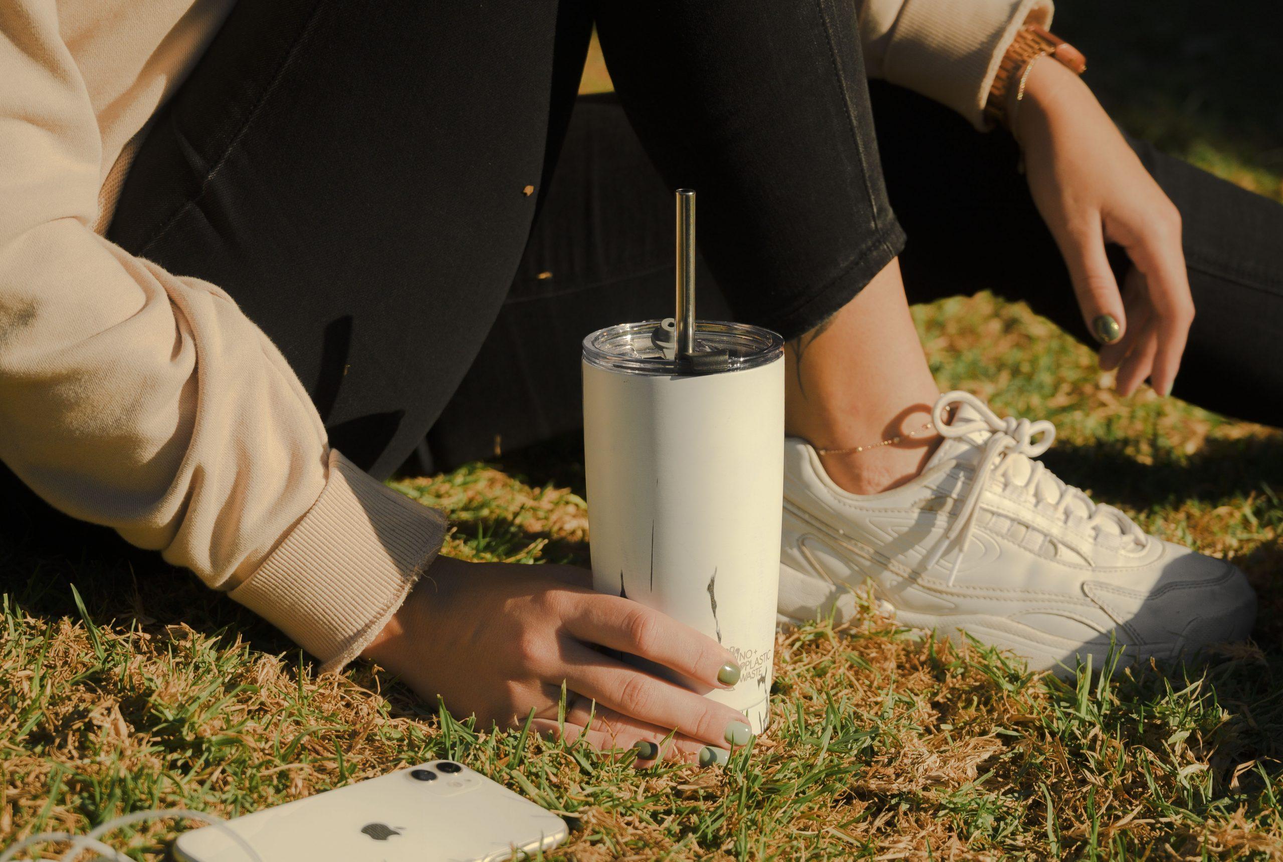 ¿Sabías que usar una pajita para beber puede prevenir contagios de Covid?